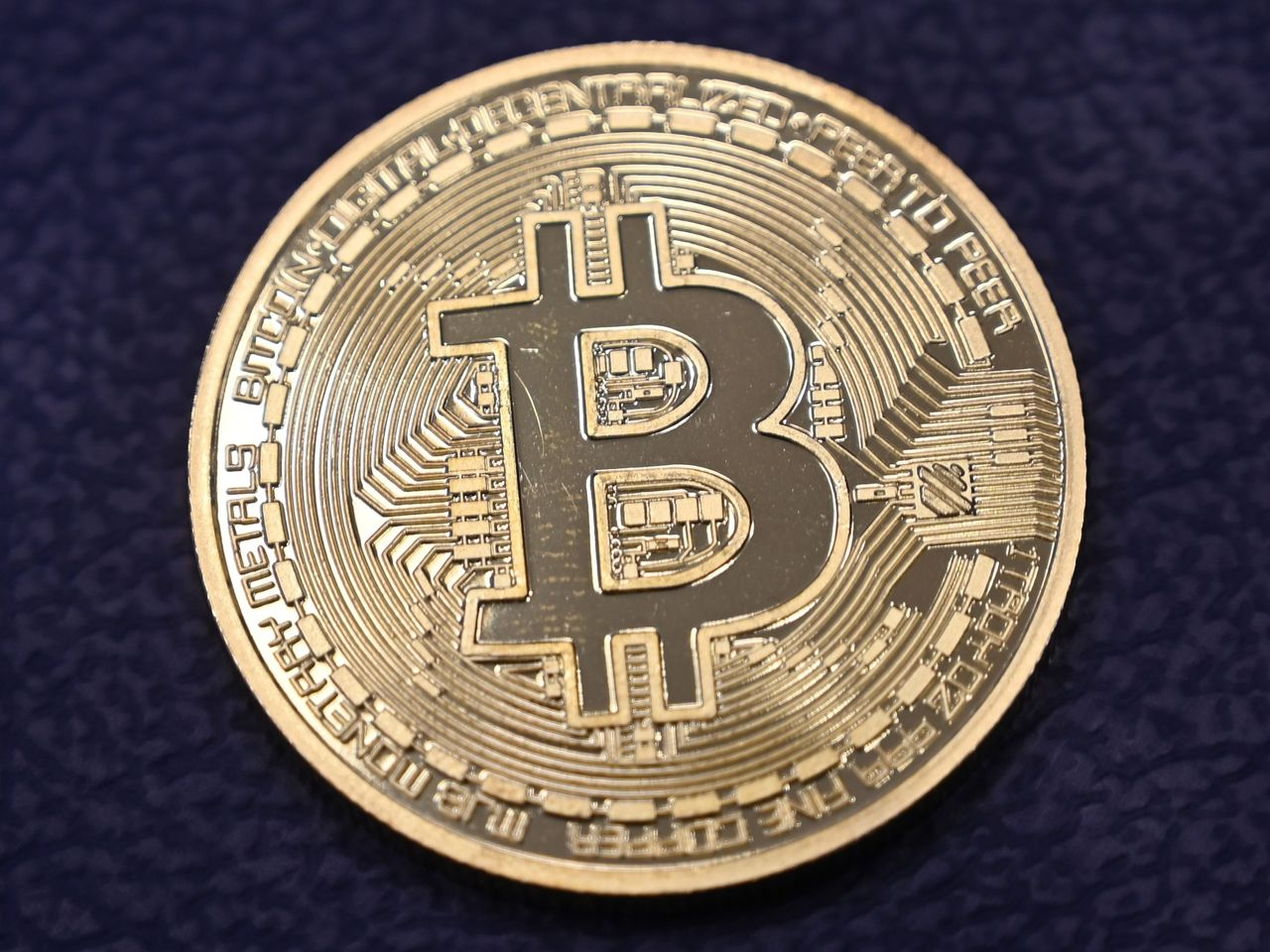 Bitcoin is back above $34,000. Ethereum - above $2,000