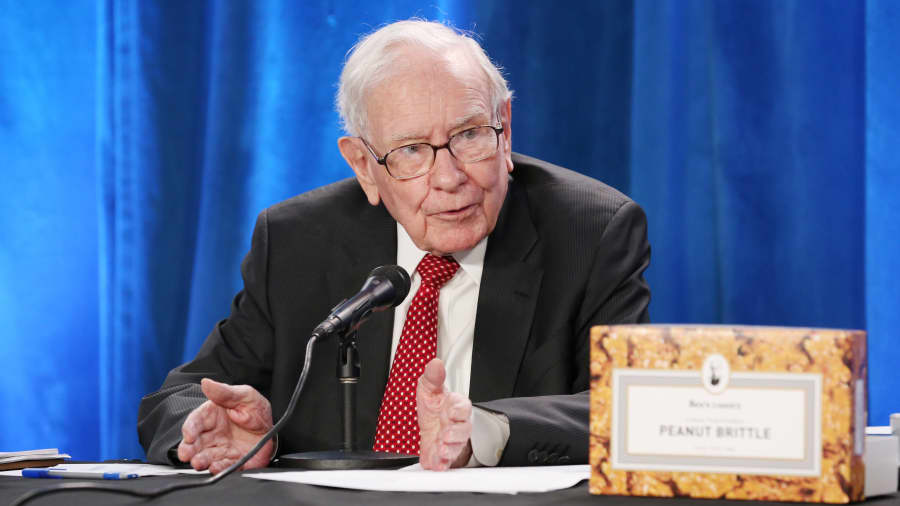 Warren Buffett's holding invests $500m in cryptocurrency-friendly neobank