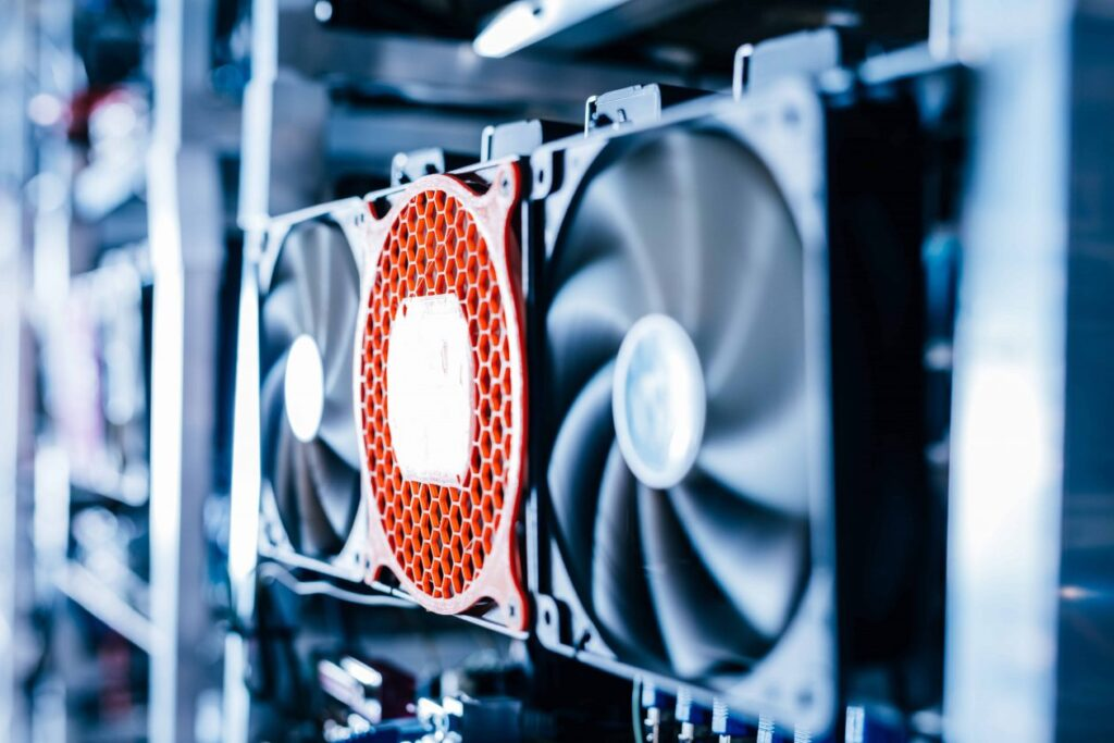 HIVE orders 1,800 ASIC miners from Bitmain for delivery in 2022